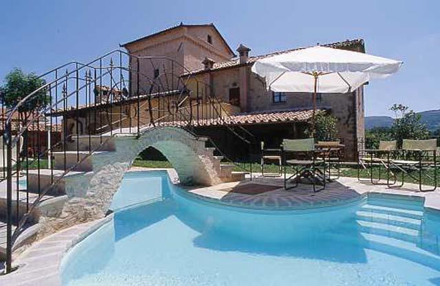 Historic Villa Biribino (27 people) - Umbria, Ferienwohnung in Pistrino