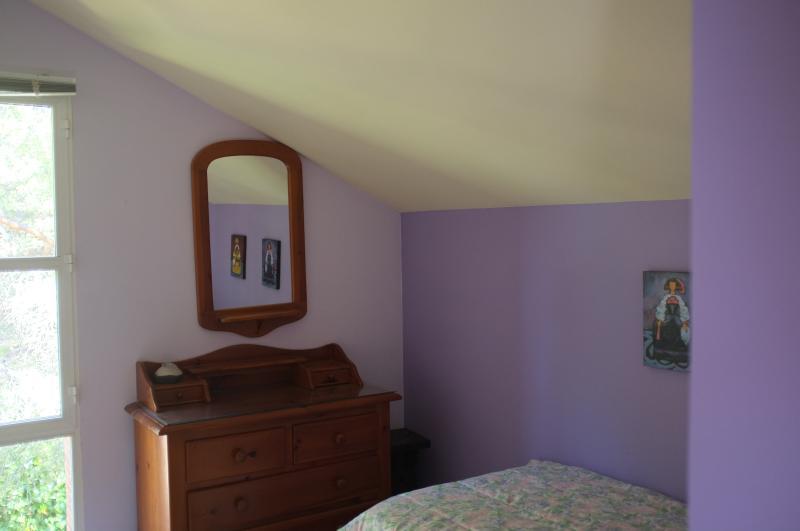 Habitación malva (2 camas individuales en cama nido)