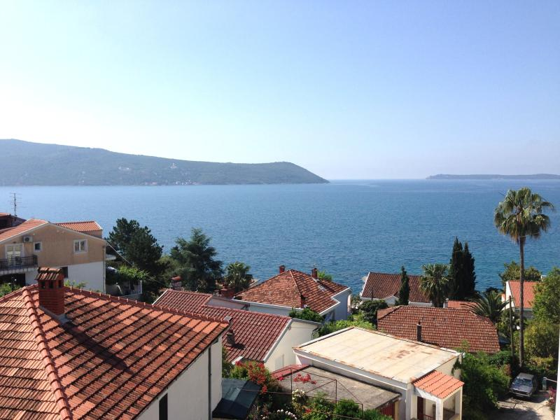 Cute seaview apartment Anastasia, holiday rental in Klinci