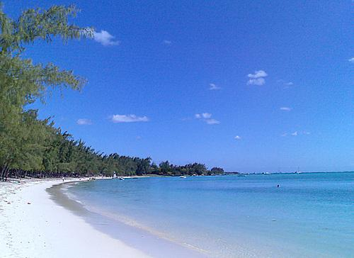Beautiful Mont Choisy beach at 5 minutes walking distance