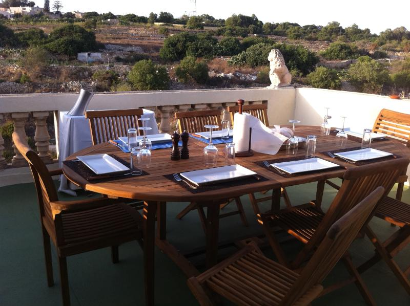 Mediterranean lifestyle, great country views from our roof terrace - also ideal for sunbathing
