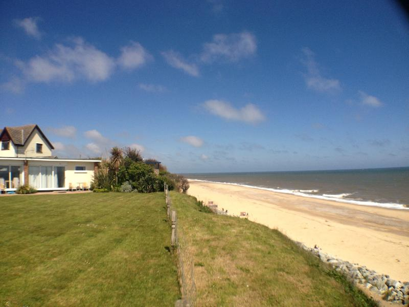 Exclusive private beachside location next to our sandy beach with stunning sea views,