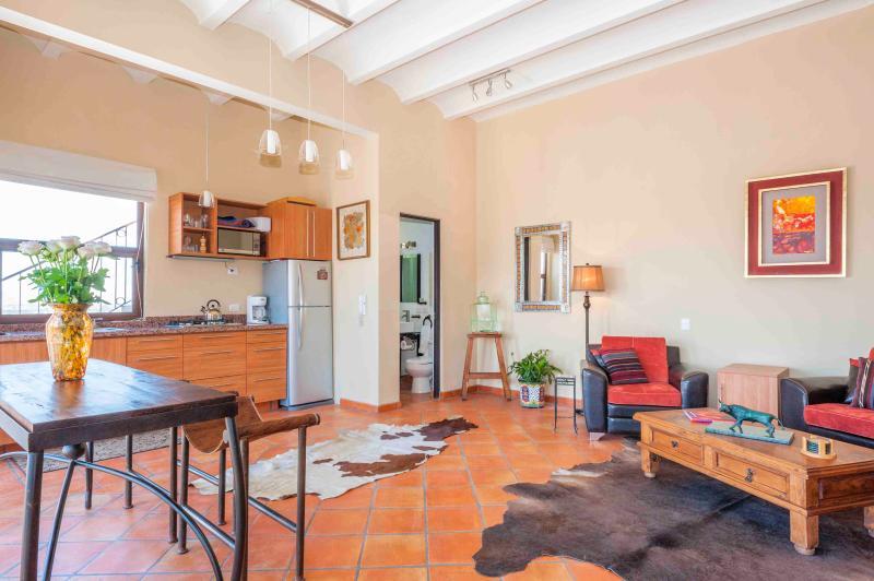 Open Living w/Kitchen,Dining,Bathroom