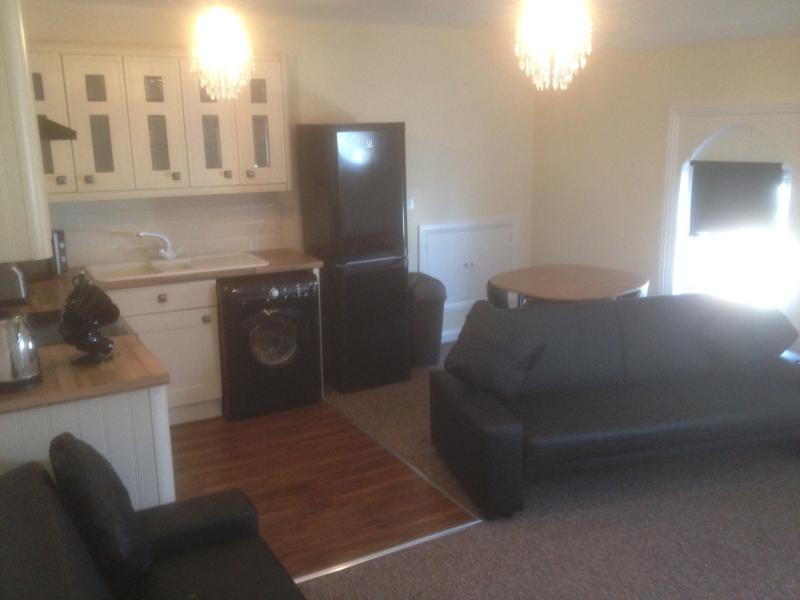 Newly fitted Kitchen with all appliances