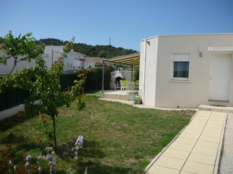 Belle villa à 20 mn des plages, aluguéis de temporada em Les Matelles