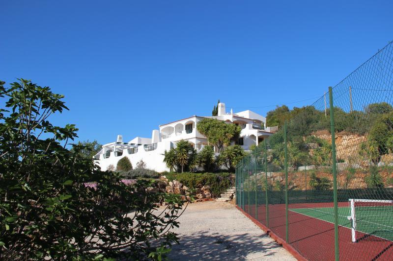 Casa Matos Brancos with private Tennis court