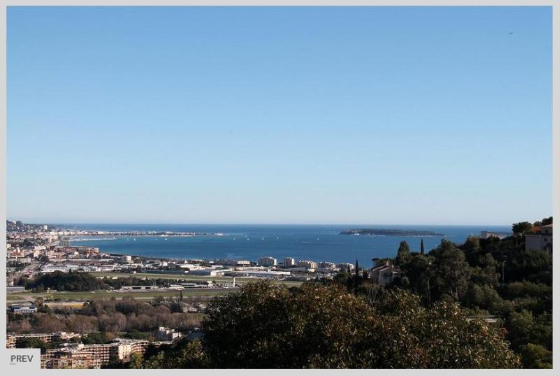 180 degree view over the bay of Cannes