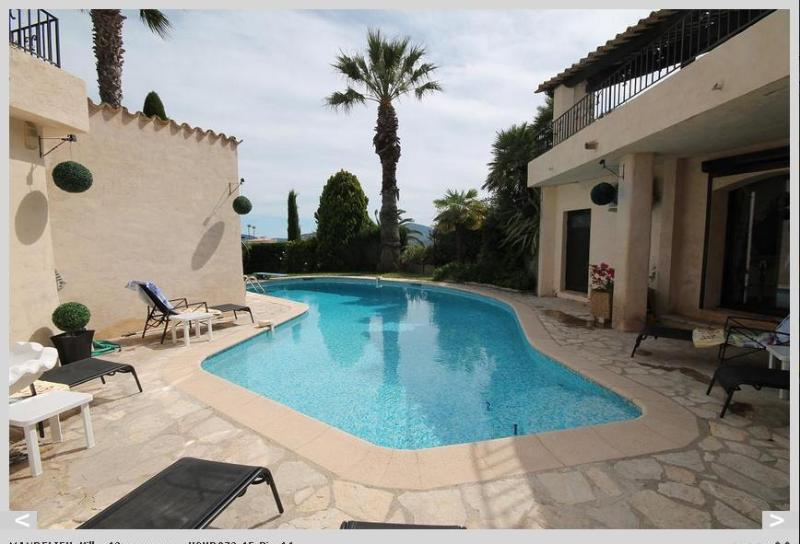 Direct access from James Bond apartment to pool area which is served by its own kitchen