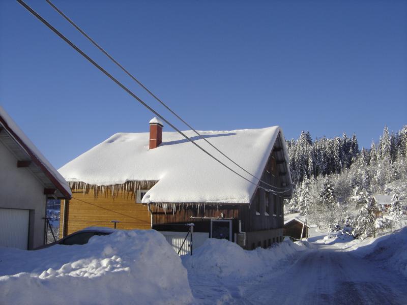 la maison sous la neige