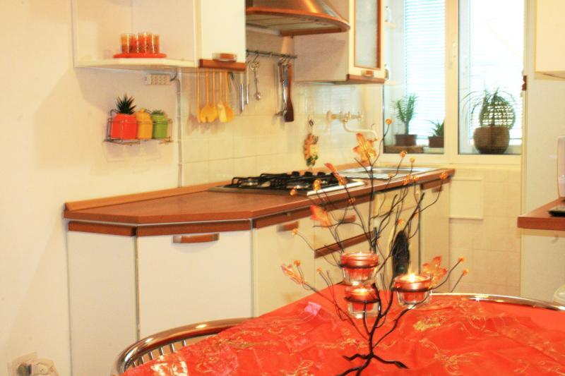 Lovable mini apartment near the center, vacation rental in San Giuseppe della Chiusa