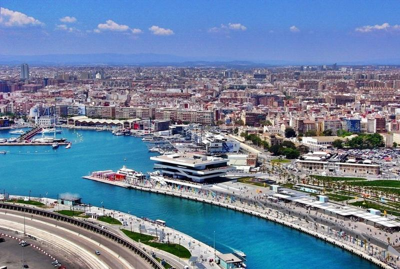 During the warm months there is a lot of life in the port area. Don't miss it.