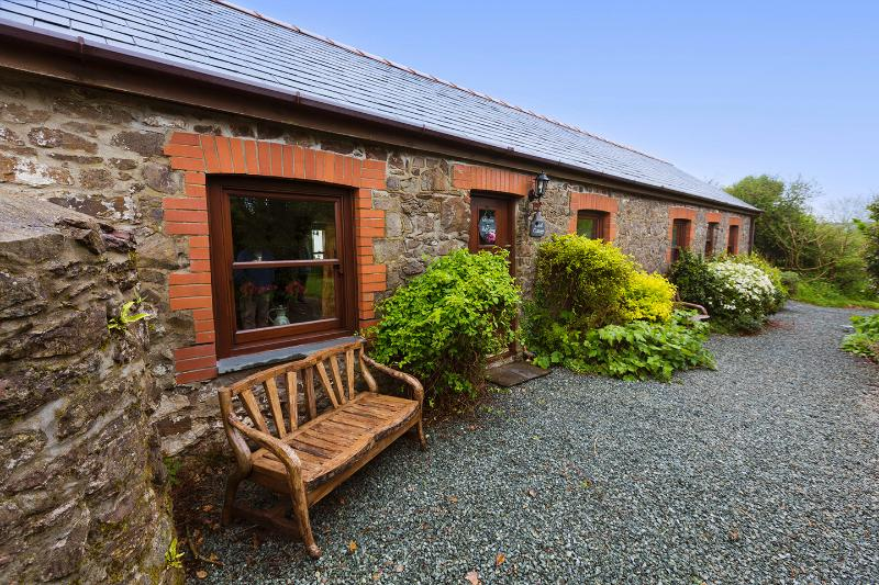 Rock Cottage -peaceful, secluded, 5 Star graded retreat. The perfect place to relax.
