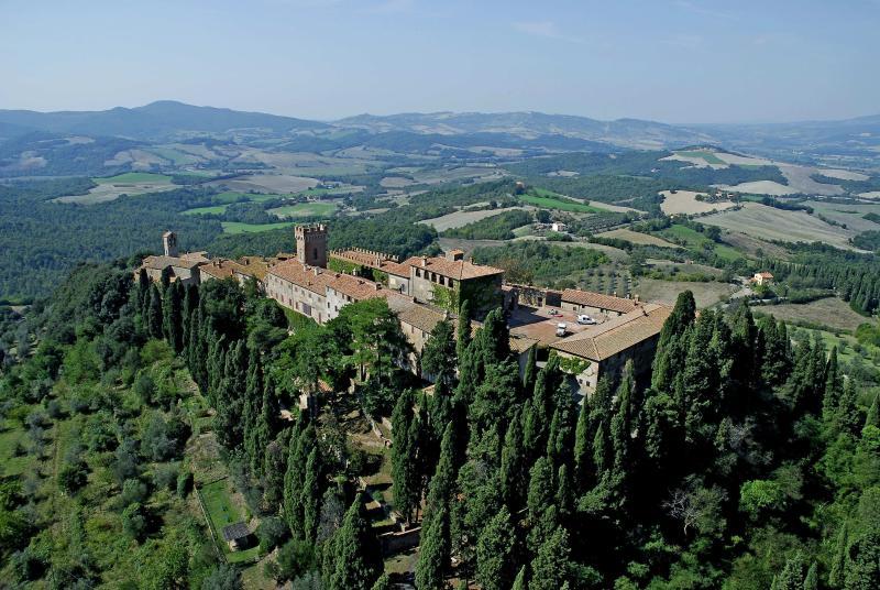 Vista aérea do Castello Ginori di Querceto