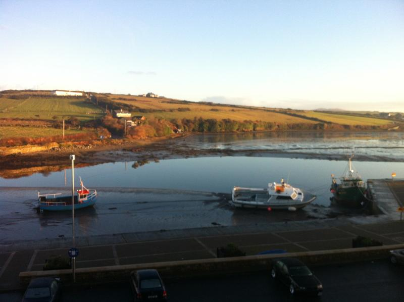 Harbour View Apartment, Barrack St, Belmullet Mayo, alquiler vacacional en Broadhaven