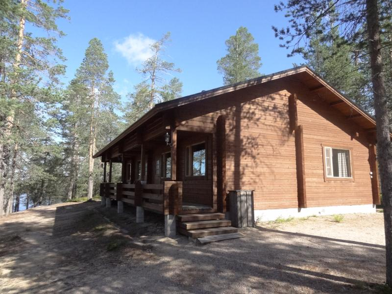 Iso Kuulea wilderness cottage in Posio, holiday rental in Anetjarvi