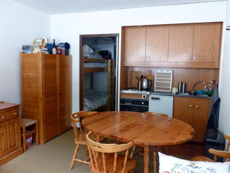 Studio sleeps 4 150m to lifts,shops and ski school etc Chalet in Flaine