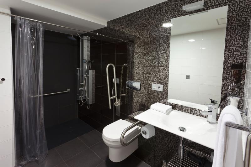 baño, columna hidromasaje
