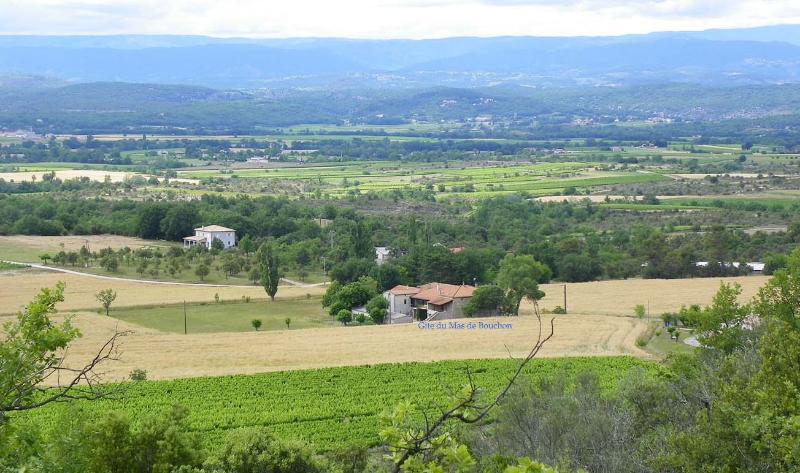 Gite du Mas de Bouchon Sud-Ardèche Nature,Soleil,Calme,Plages,Baignade,Randonnée, aluguéis de temporada em Berrias et Castejau