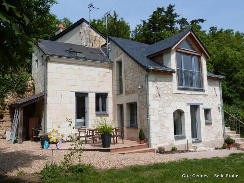 Cosy gite Domaine de Joreau - 2-4 p, Saumur, Loire Valley, holiday rental in Deneze-sous-Doue