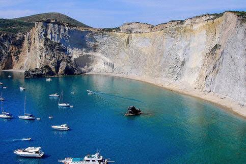Escursioni Isole Pontine con traghetto o aliscafo / Daily trips to Pontine Islands by ferryboat