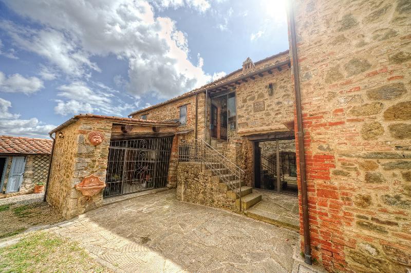 Casale Rosennano Padronale, vacation rental in Castelnuovo Berardenga
