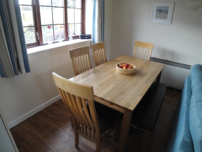 Dining area with seating for 6.