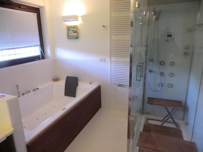 Suite con maxi jacuzzi, holiday rental in Mercato San Severino