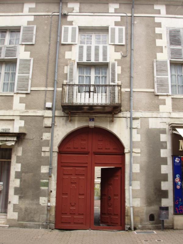 Huge wooden Locked Gates & Door to Hotel Particulier & private apartment entrance  Balconey above