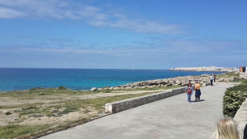 Vue depuis la promenade sur Gallipoli Vecchio