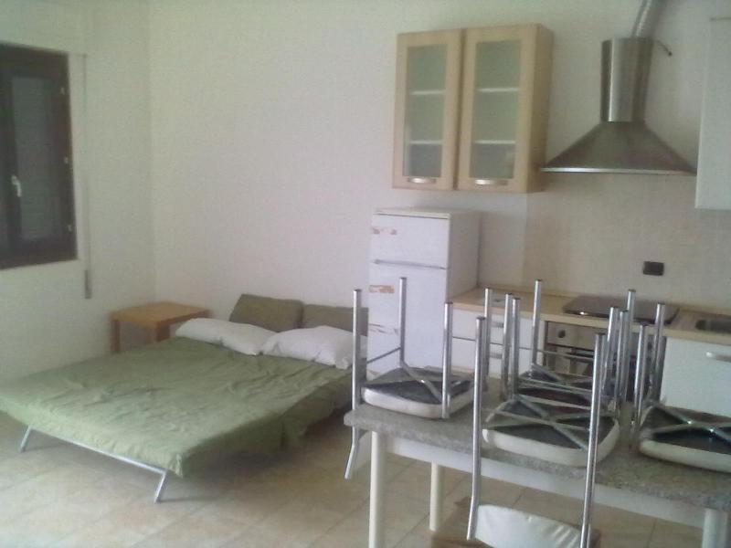 Monolocale a 20' da Novara lake Maggiore, holiday rental in Allumiere