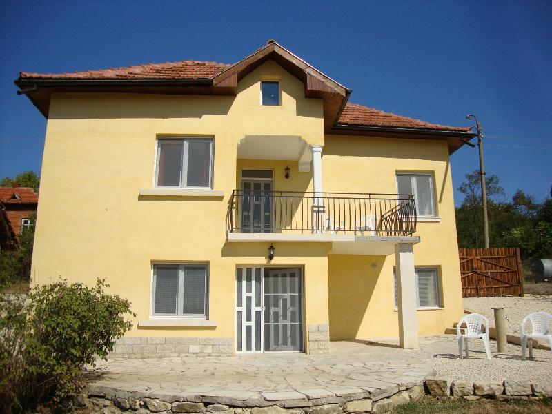 Detached Country Villa Vratsa Region, holiday rental in Vidin Province