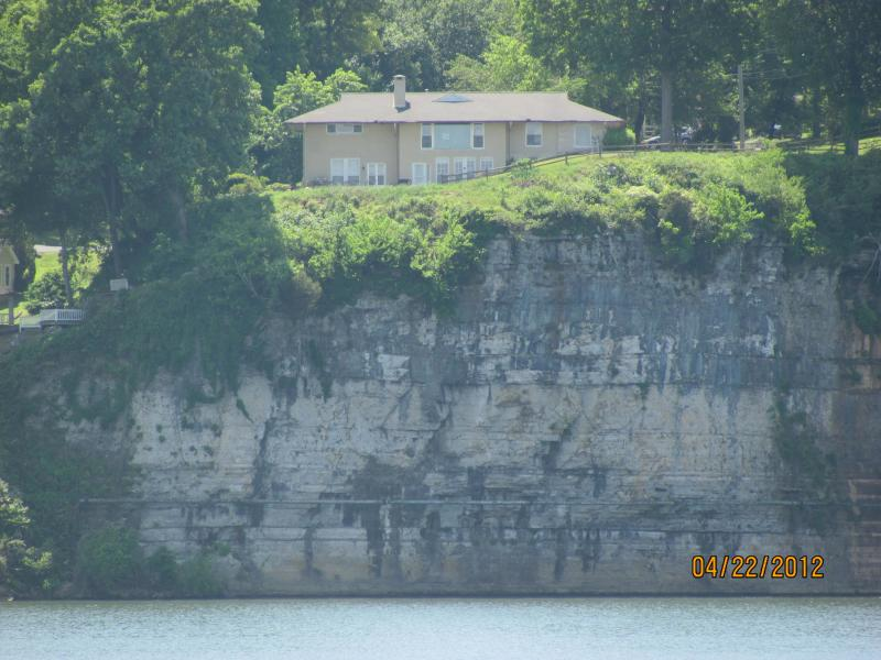 View of Muscle Shoals Music House from the Park across the Tennessee River