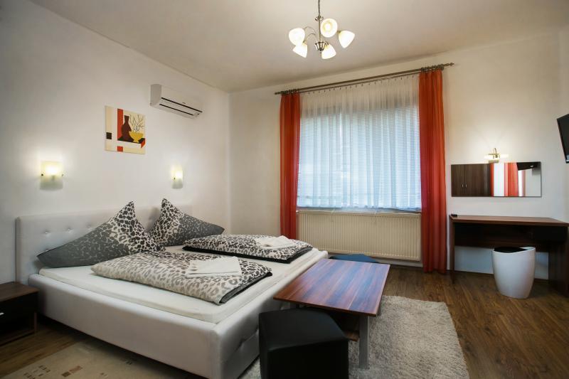 Bathory Apartments, casa vacanza a Debrecen