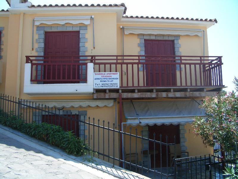 Evangelia Studios & Apartments, aluguéis de temporada em Sigri