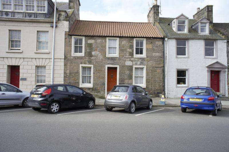 Three bedroom house in the heart of historic St. Andrews, ten minutes walk to the Old Course