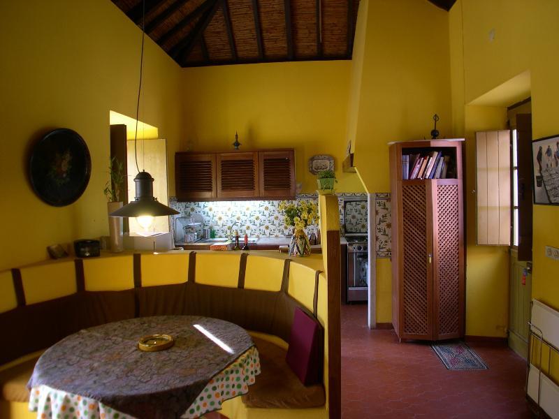 Cozinha e espaço de refeições