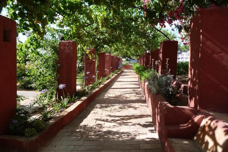 Caminho ao latérale jardim