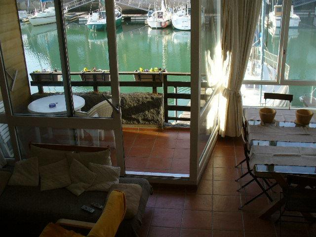 descent on residence, views on loggia and boats