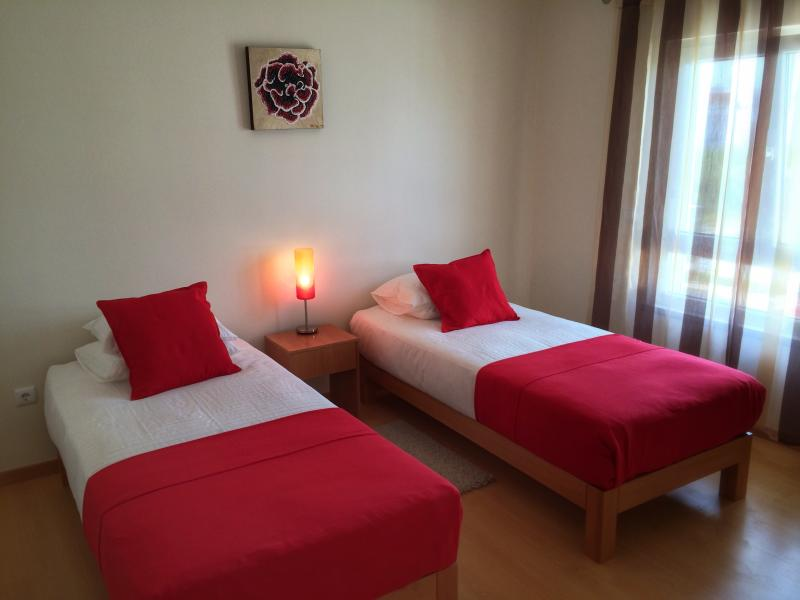 Ocean Breeze Apartment Baleal Beach, vacation rental in Peniche