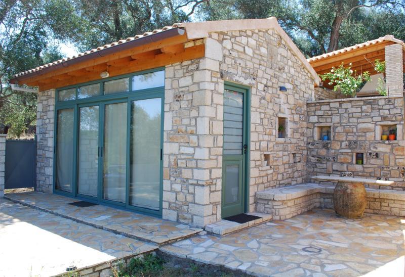 myPaxos Studio - exterior look