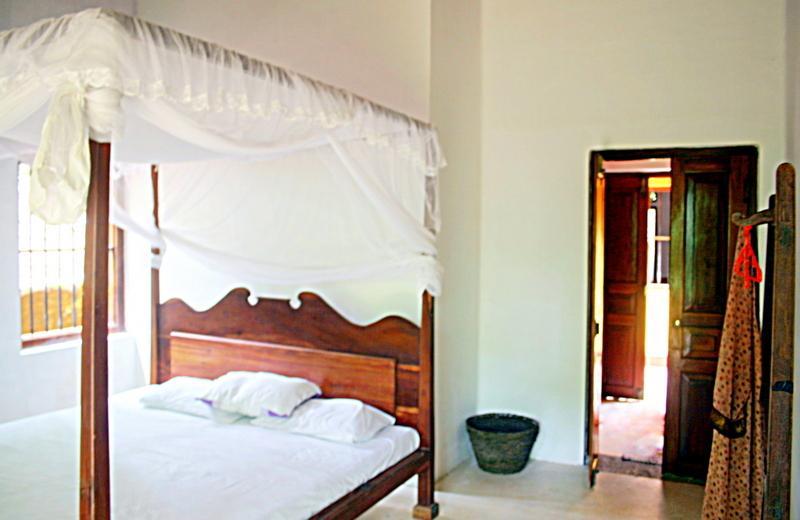 cozy airy room in jungle house, holiday rental in Dodanduwa