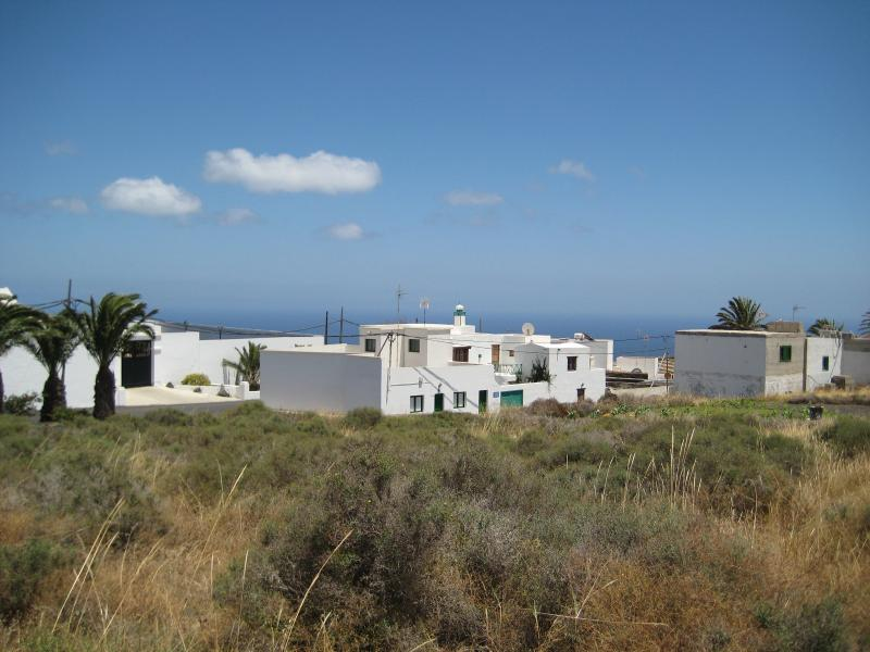 View neighborhood overlooking the sea and 7 km Apartment 3 away from the next beach