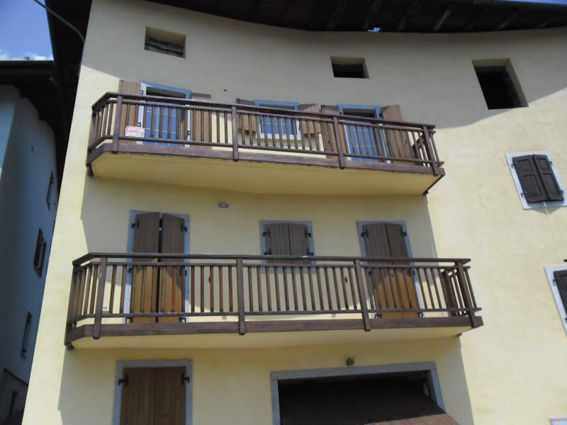 Bilocale zona Comano Terme, location de vacances à Lasino