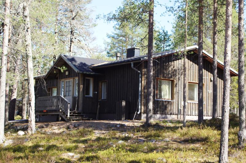 Korotalo wilderness cottage in Posio, holiday rental in Anetjarvi