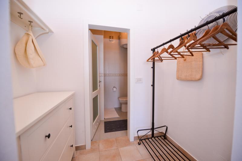 Wardrobe and bathroom 1