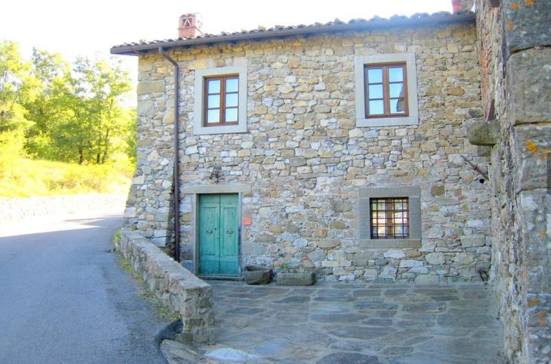 Casa vacanze in Borgo antico, holiday rental in Rifugio Orecchielle