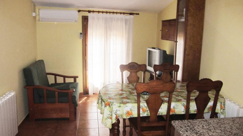 Apartaments La Fabrica Ap 1 (3 plazas), holiday rental in Fabara