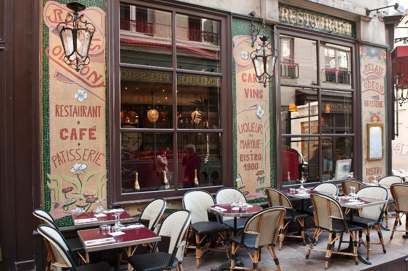 Tipical pub in Saint Germain des Près near by the apartment