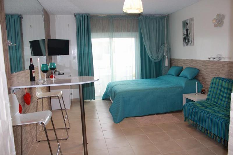 Эти превосходные апартаменты расположены в центре курортного города Айя-Напа.Студия находящаяся в 5