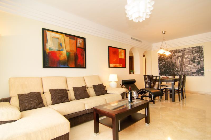 South oriented elegant apartment (137m2)